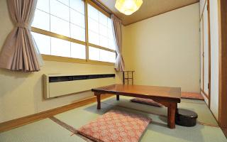 写真:旅館くりもと 和洋室