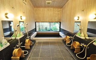 写真:男性用浴場